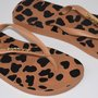 Kit Chinelo + Necessaire Taupe Animal Print